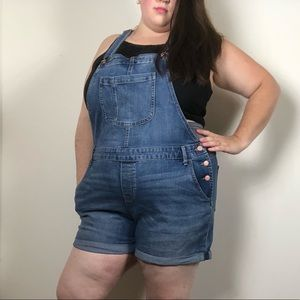 Old Navy Classic Jean Short Overalls